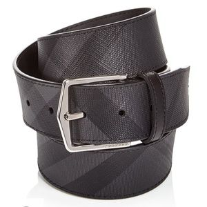 NWT beautiful Burberry belt, black and gray